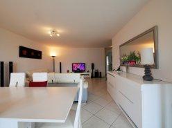 Spacieux appartement, 4 chambres, très lumineux, proximité de tout.