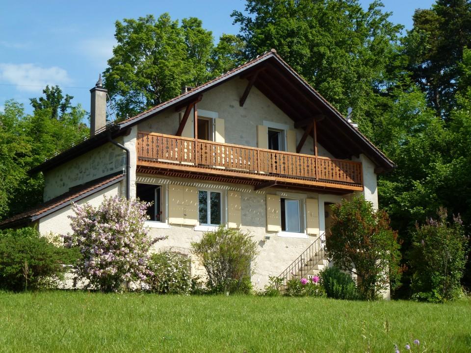 VENDUE - Maison individuelle, 2 appartements avec du potentiel