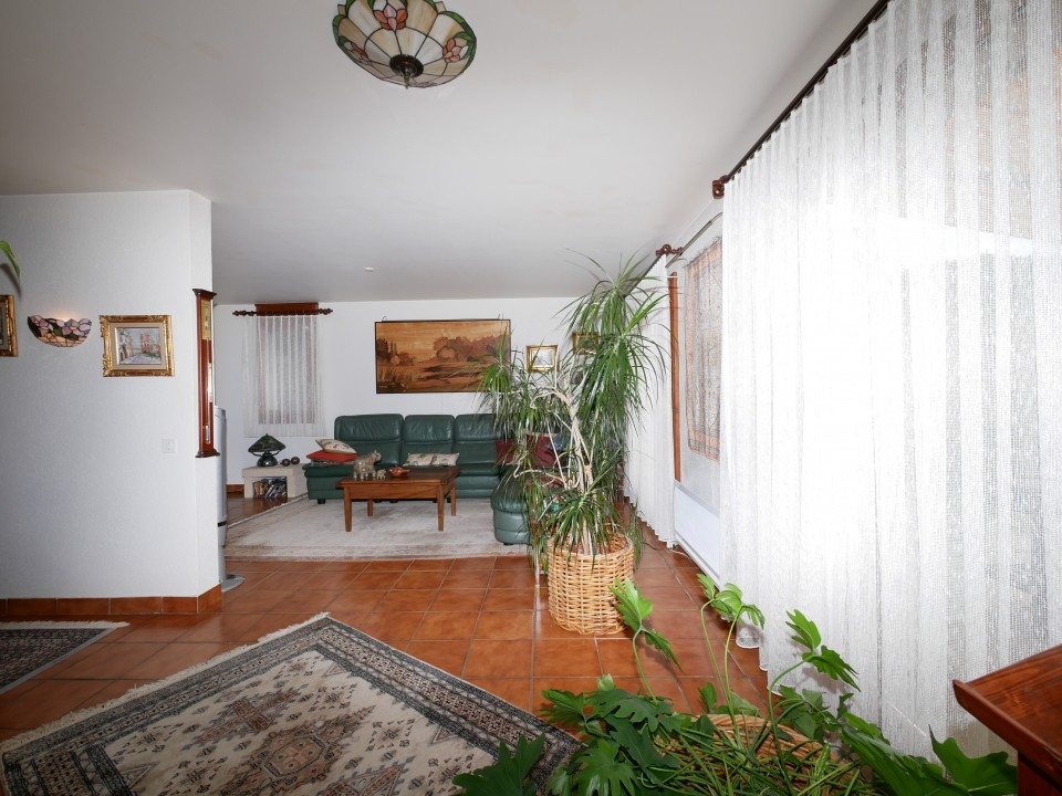 Villa de 5,5 pièces, 4 chambres, sa piscine.