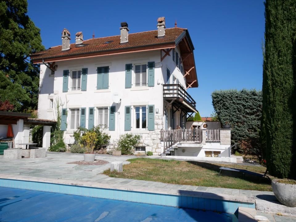 Propriété de charme, 6 chambres, sa piscine, centre du village